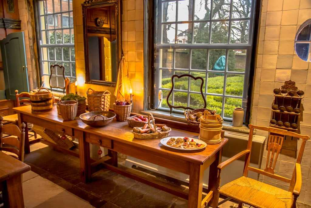 visit the tudor house