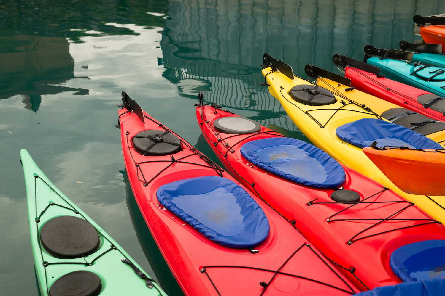 kayaks-in-multiple-color-float-marine-harbor