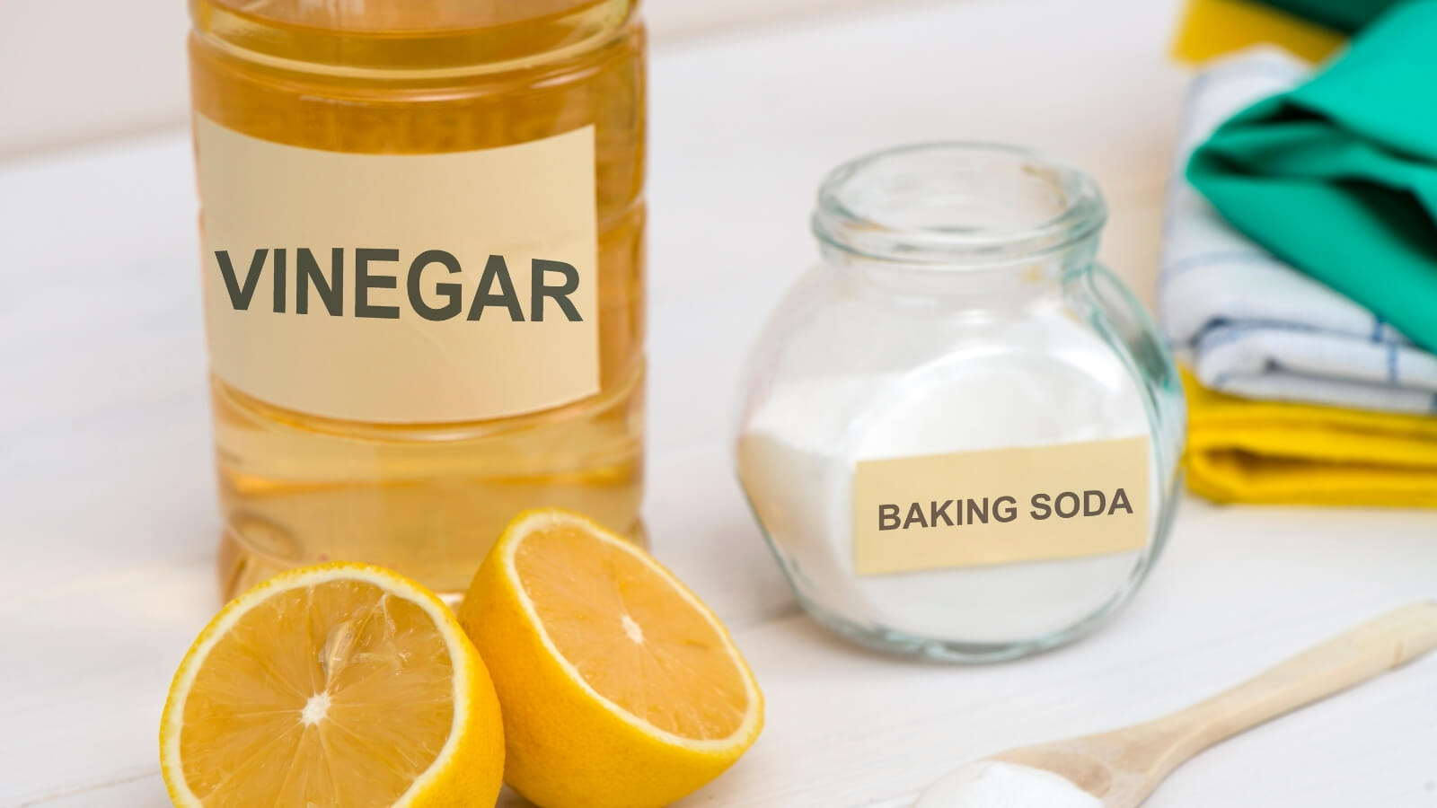 vinegar and baking soda cleaners