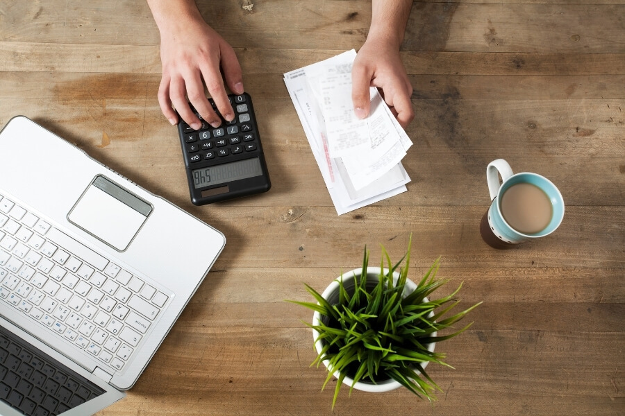 paying bills on time to help improve credit score